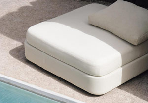 thumb-poufs-cove